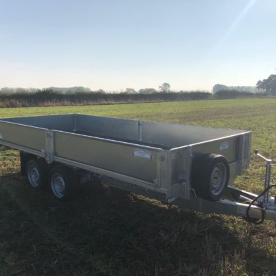 Tandem-Axle Flatbed Trailer