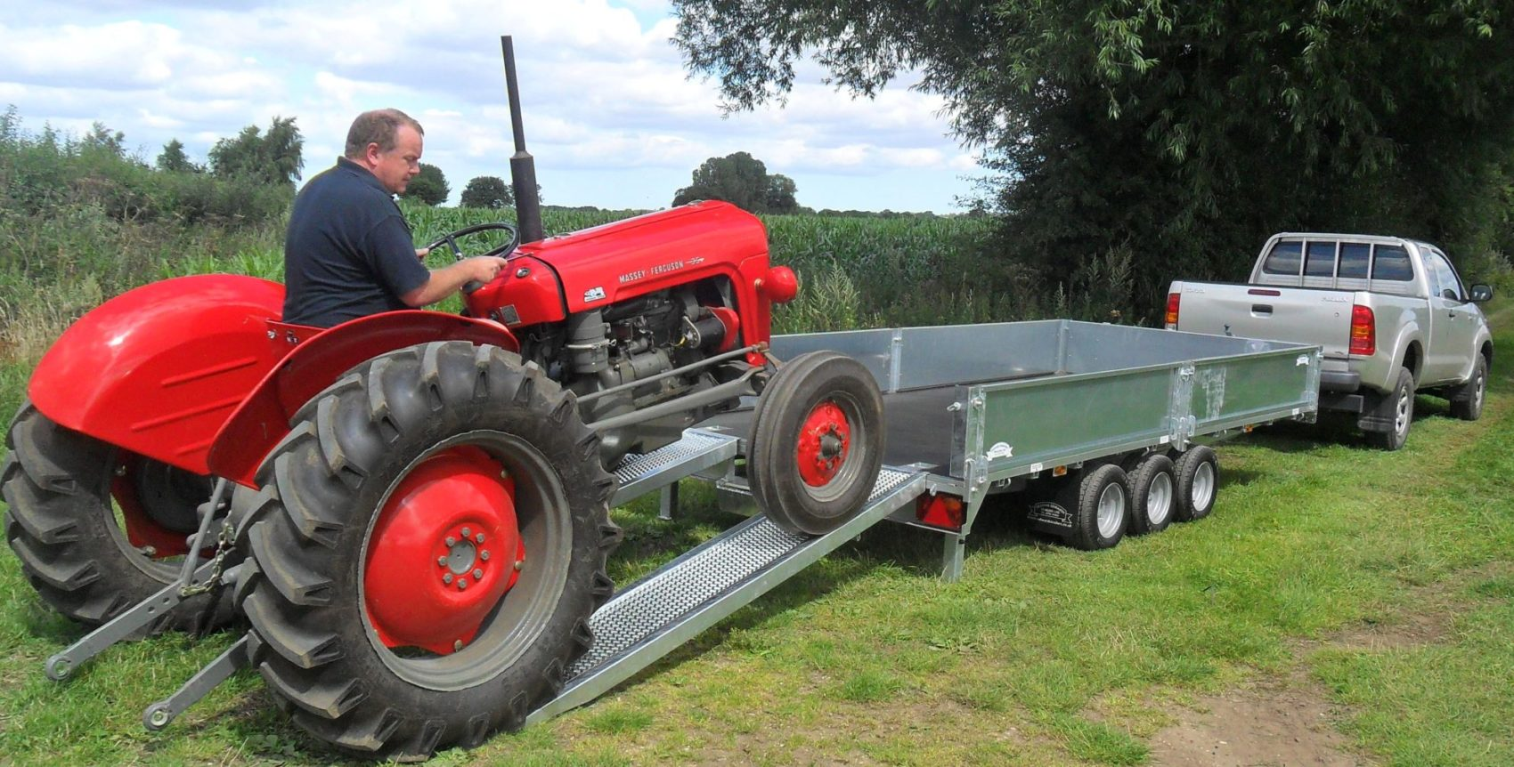 Red Tractor on Edwards Trailers