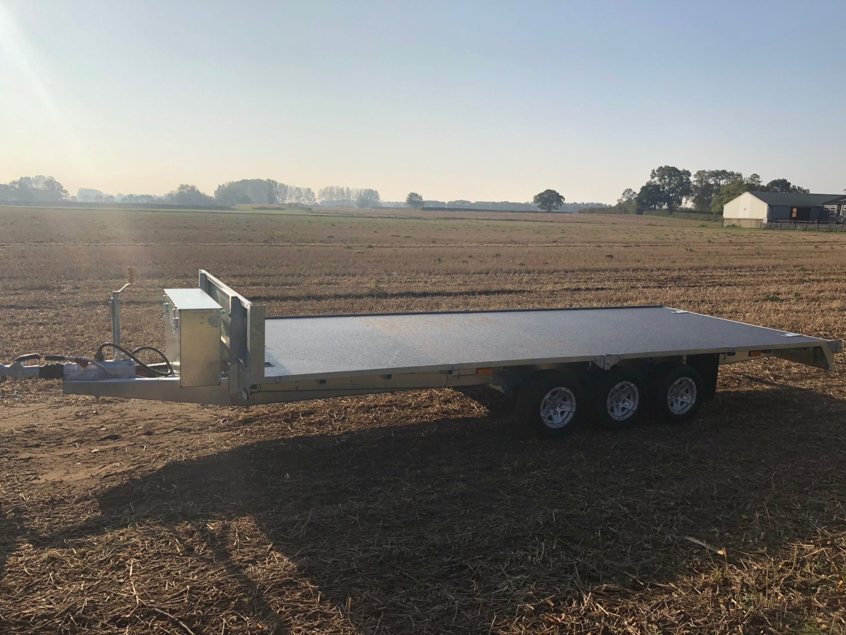 Tri Axle Flatbed Trailer with Alloy Wheels